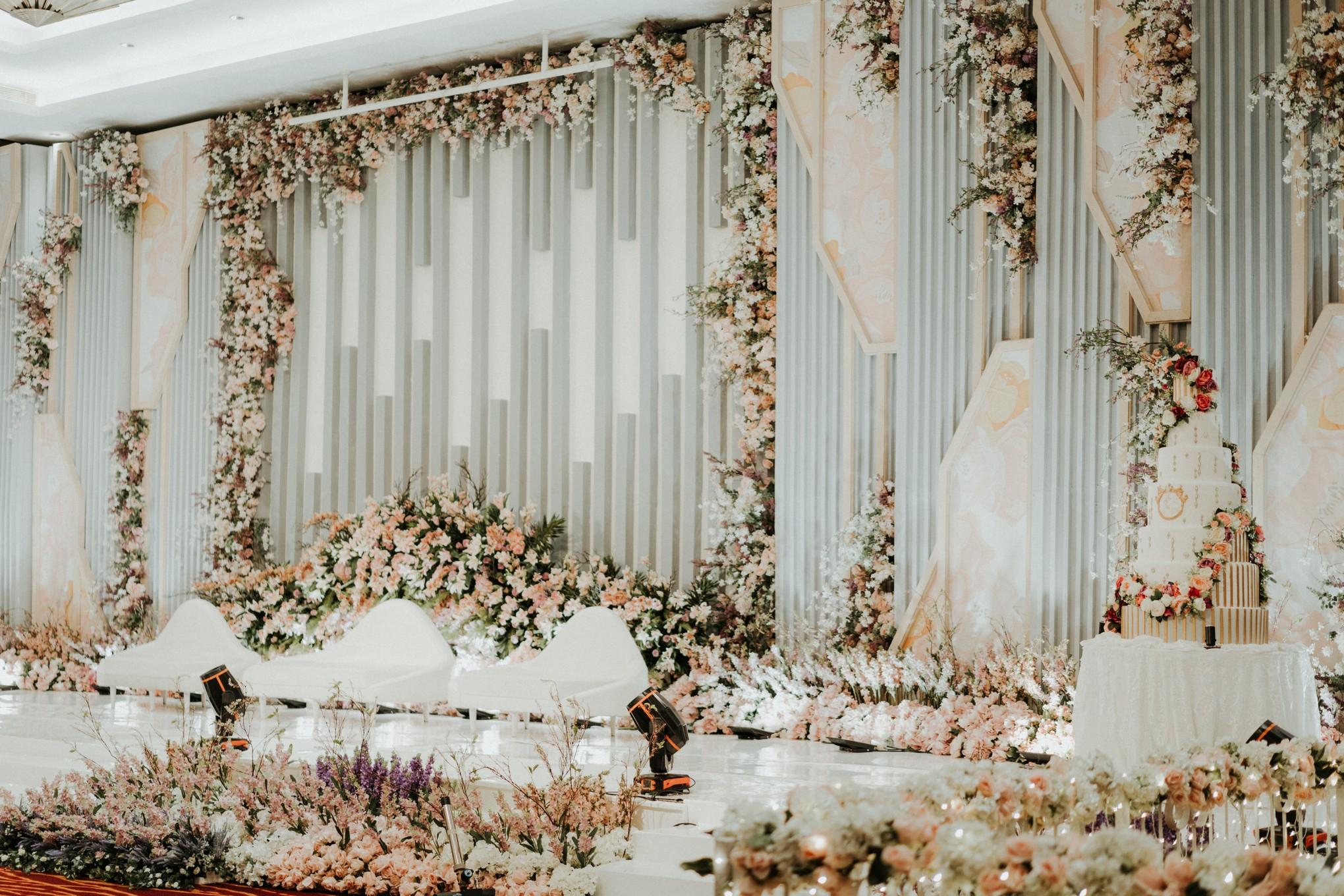 17 Inspirasi Desain Dan Dekorasi Pelaminan Bergaya Modern