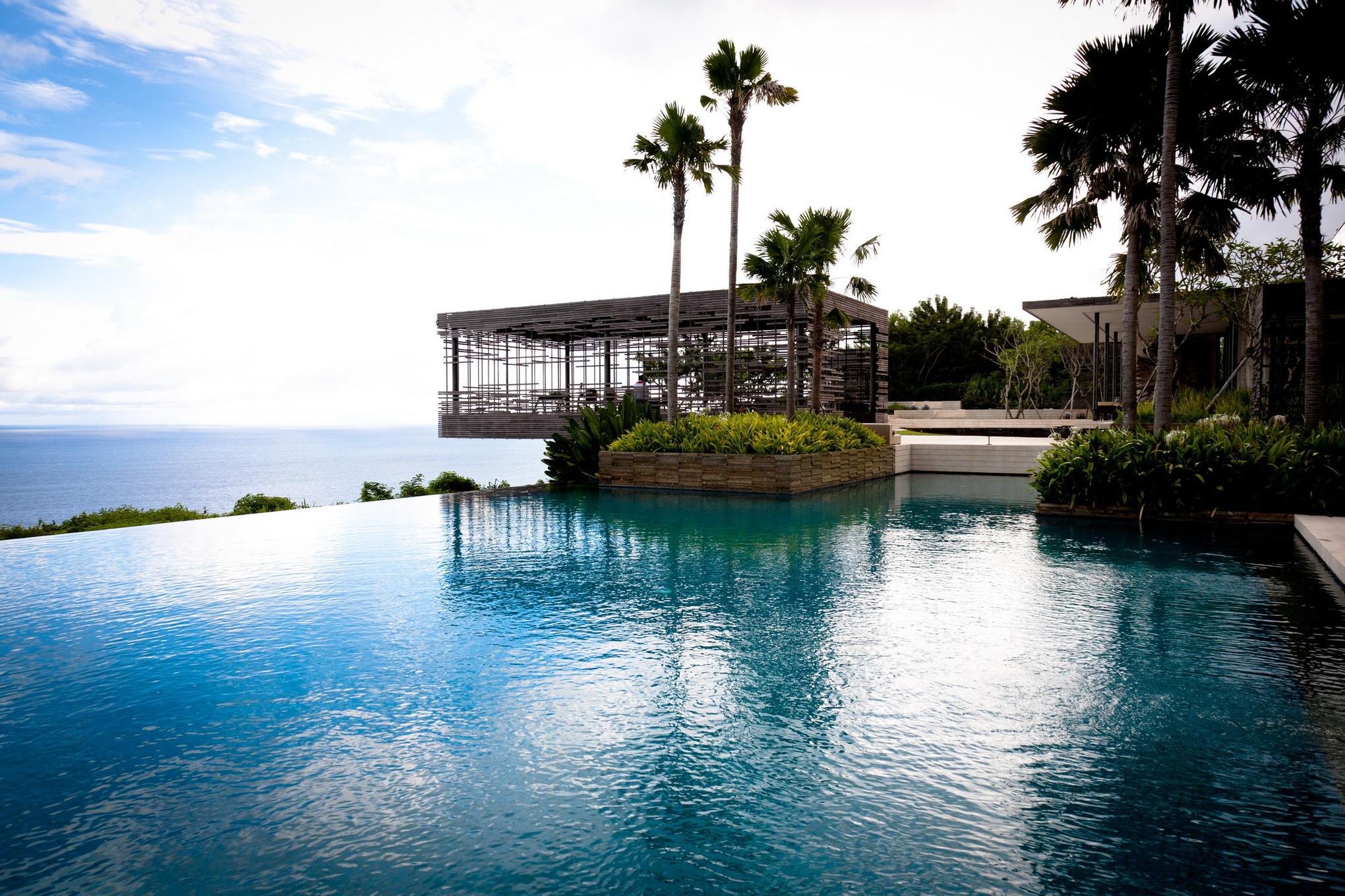 3 Amazing Tropical Destinations for Your Beach Honeymoon