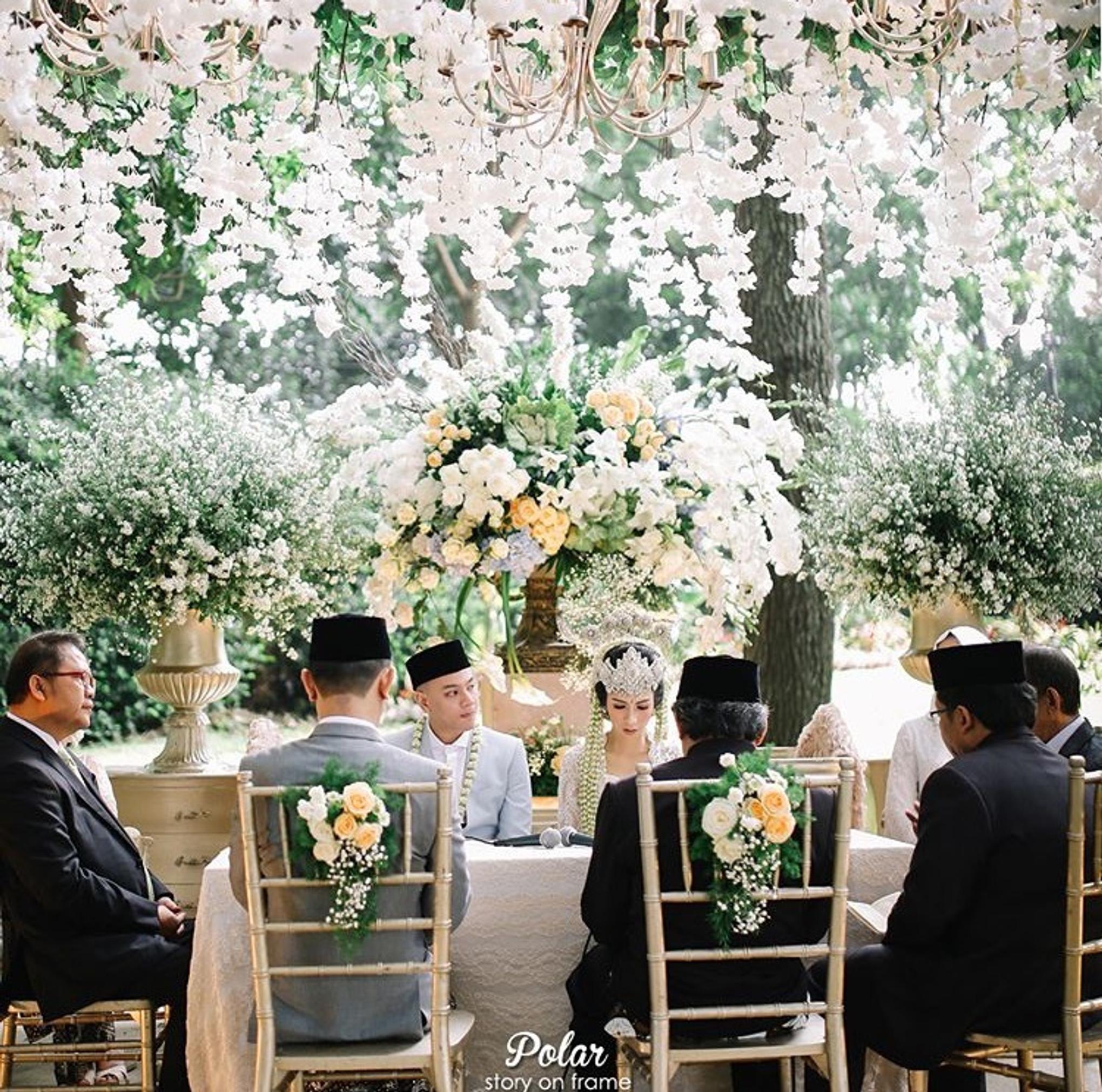 Pernikahan Outdoor Adat Sunda Yang Elegan Di Bandung