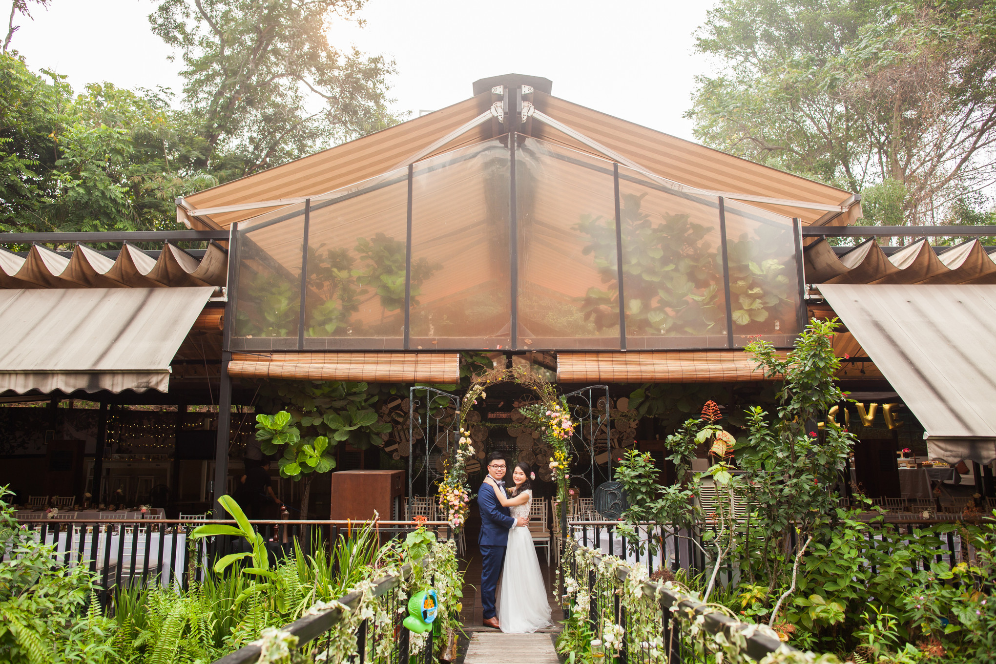 Andrew and Samantha's Rustic Chic Wedding at Nosh