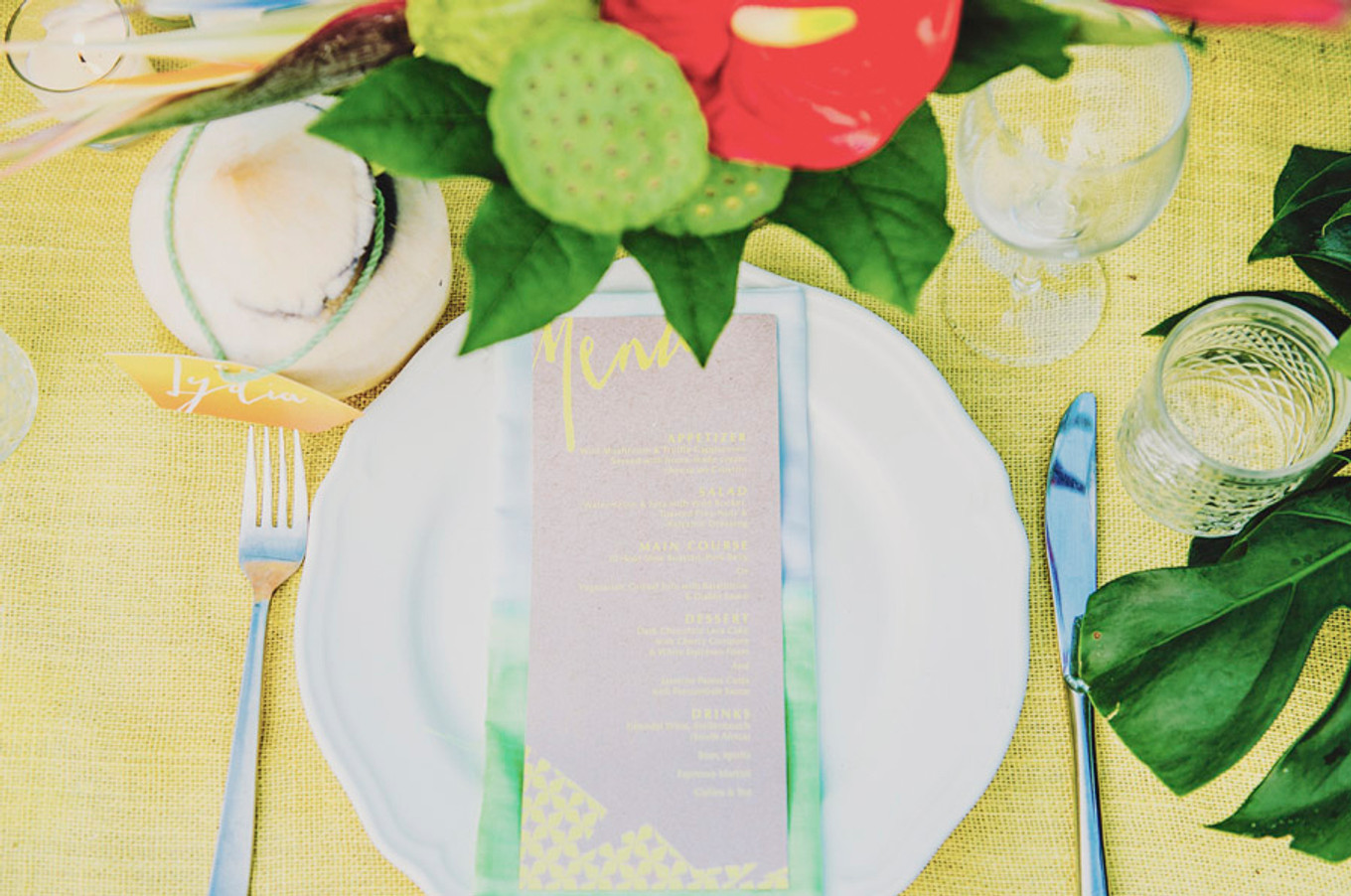 Inspirational Shoot with Fresh Tropical Wedding Theme ...