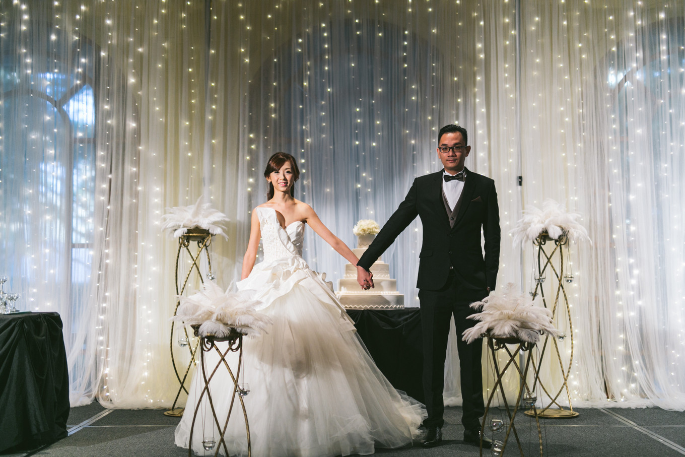"""muriels wedding vs great gatsby The great gatsby symbols and motifs the american dream is originally about the discovery of happiness, but by the 1920s """"this is a valley of ashes."""