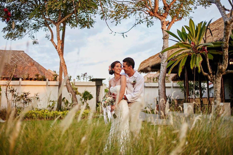 A Romantic Beach Wedding with Sunset View - Bridestory Blog