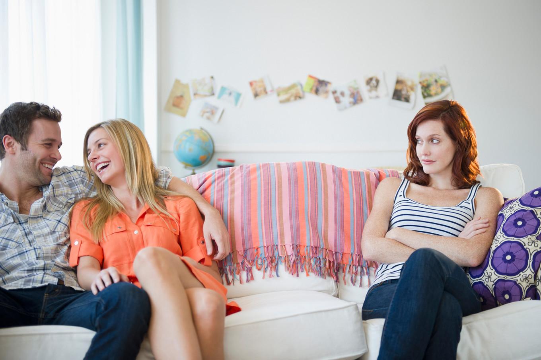 чуть муж изменил с лучшей подругой своей жены познакомились стали общатся