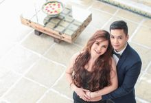 Bright and Romantic Engagement by Fresh Minds Digital Photography