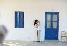 Engagement in Mykonos by Sotiris Tsakanikas Photography