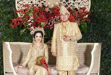 Melayu Deli & Java Wedding of Dhina & Edief at Bea Cukai by Sentra Bunga