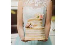 Fresh Floral Semi Naked Cakes by Bloomsbury Bakers