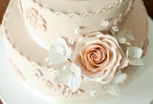 Wedding Cakes by CUPCAKES COMPANY