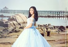 Outdoor Bridal Shoot and Gown Rental by L'umiére Weddings Singapore