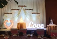 WEDDING STAGE SETUP AT MARINA BAY SANDS by Pedestalworks