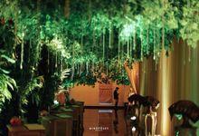 Menara 165 - Minang Lush Garden Wedding of Riri & Satria by Sentra Bunga