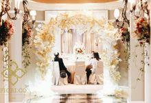 Gold Wedding at Gran Mahakam Hotel Jakarta by Fiori.Co