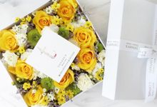 Bloombox by Tiffany's Flower Room