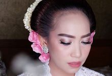 Deasy's Wedding by Winona Makeup & Bridal