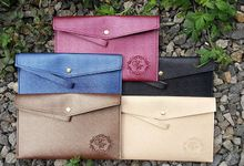 SOUVENIR CLUTCH by SentimeterCard
