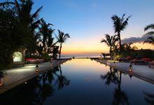 Book Your Sunset Wedding NOW by Nagisa Bali
