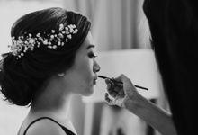 A Simple Clifftop Wedding by Nagisa Bali