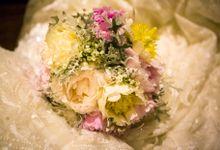 White & Pink Wedding Decor by Mira Mi Bali Wedding