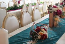 A Forest Green & Maroon Wedding by Wedding en Vogue