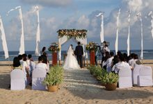 Fun wedding full of sun, sand & sea!! by AVAVI BALI WEDDINGS