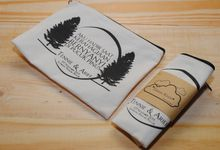 souvenir pouch blacu by Plung Creativo