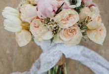 Simple and Modern Rococo style wedding at the Island of Gods by Varawedding