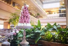 Gentle Rose Dessert Table by Rainbowly Pte Ltd