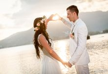 Beach wedding for Alex and Ramona by Unique Wedding and Events