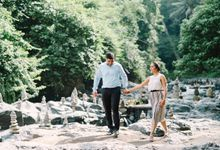 Proposal at Tegenungan Waterfall by Gusmank Wedding Photography