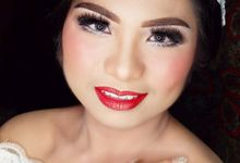 WeddingPackages By WINONA (Klien: Kristy) by Winona Makeup & Bridal