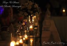 Flowers And Decoration by Batik Bali Wedding