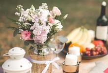 Pastel Prewedding Picnic Photoshoot by Liz Florals