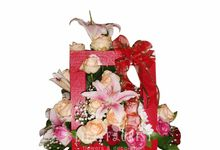 Flower Box by Liez Florist & Decoration