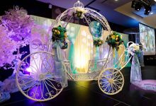 Ballroom Props With Arch, Gate, Pumpkin Carriage by Victoria Wedding Collection