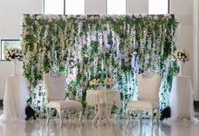 Glorious Golden Wedding Reception Dinner by Birdcage Works