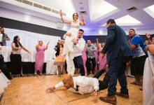 Destination Wedding Tara and Saunda at Arundel Country Club and Crowne Plaza Surfers Paradise Goldcoast Wedding Day Photography by oolphoto
