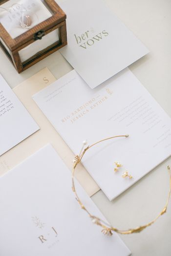 an-industrial-minimalist-wedding-with-a-botanical-touch-1