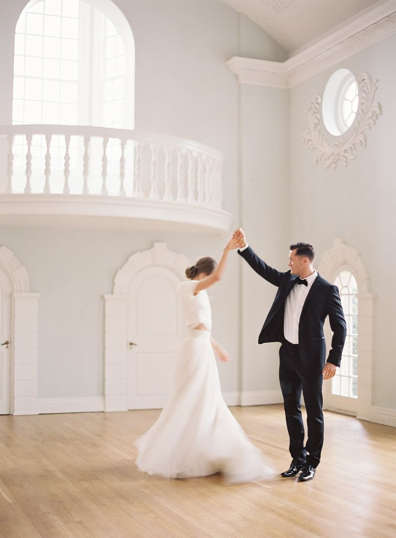 timeless-love-songs-to-be-played-on-your-wedding-day-1