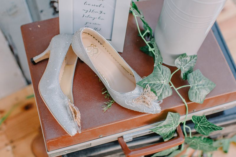 an-intimate-outdoor-wedding-with-rustic-details-in-surabaya-1