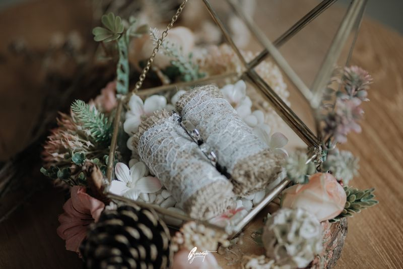 an-intimate-modern-rustic-themed-wedding-in-lembang-1