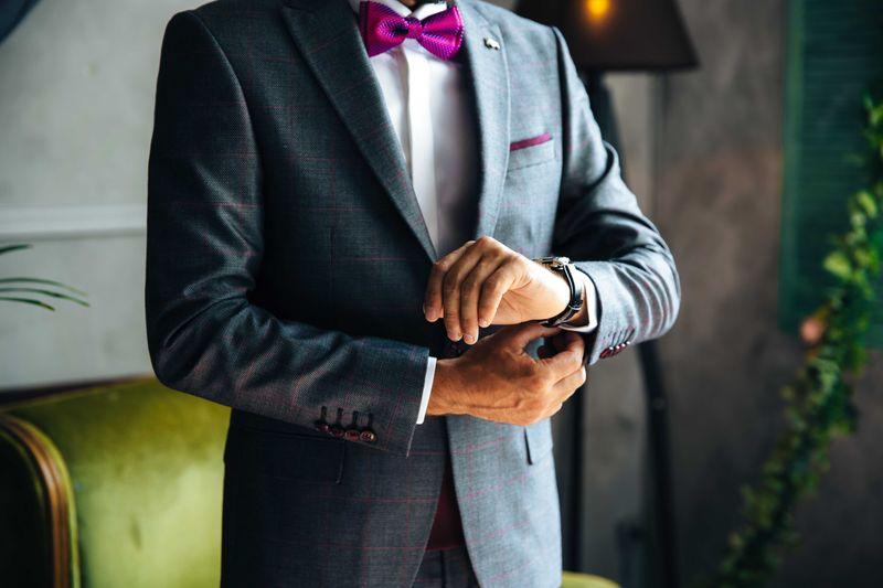 12-perancang-busana-pengantin-pria-untuk-akad-nikah-hingga-resepsi-1