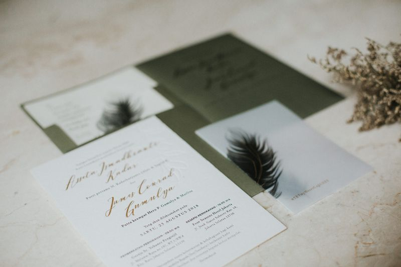 one-couples-earthy-wedding-filled-with-pampas-grass-1