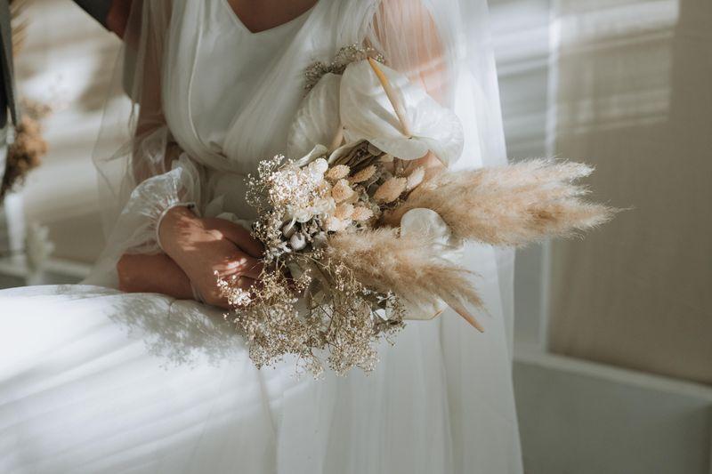 mewujudkan-pernikahan-impian-dengan-konsep-microwedding-yang-penuh-kehangatan-1