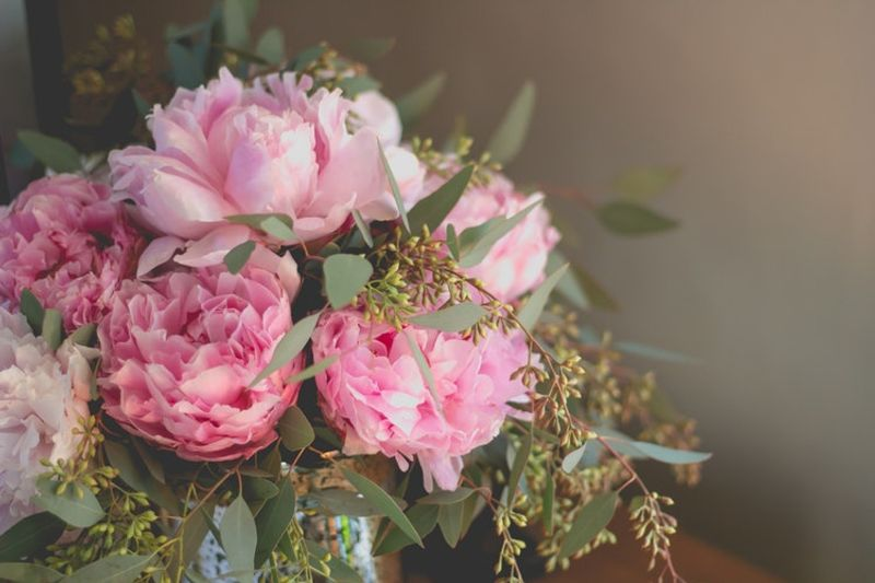 how-to-keep-your-valentines-day-flowers-fresh-1