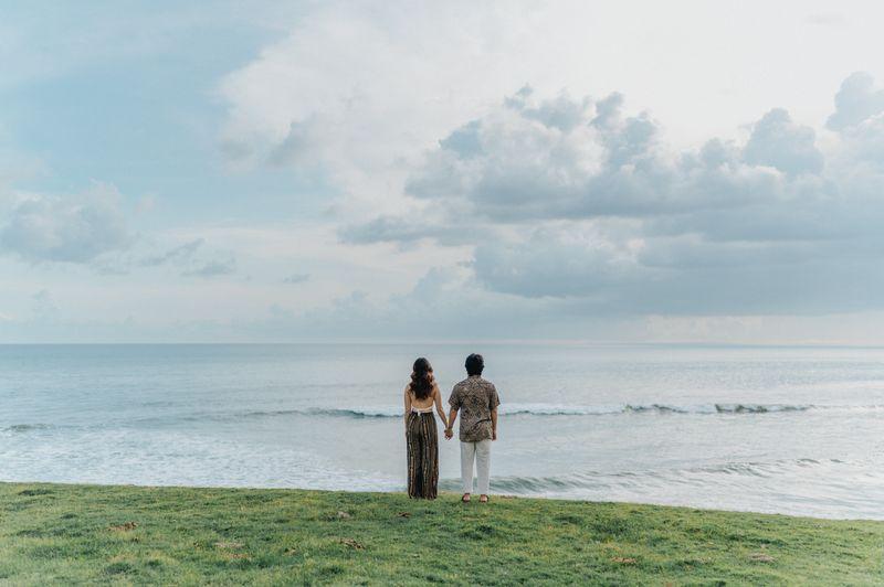 album-pre-wedding-indah-di-tepi-pantai-ala-content-creator-guntur-ldp-dan-priscilla-1