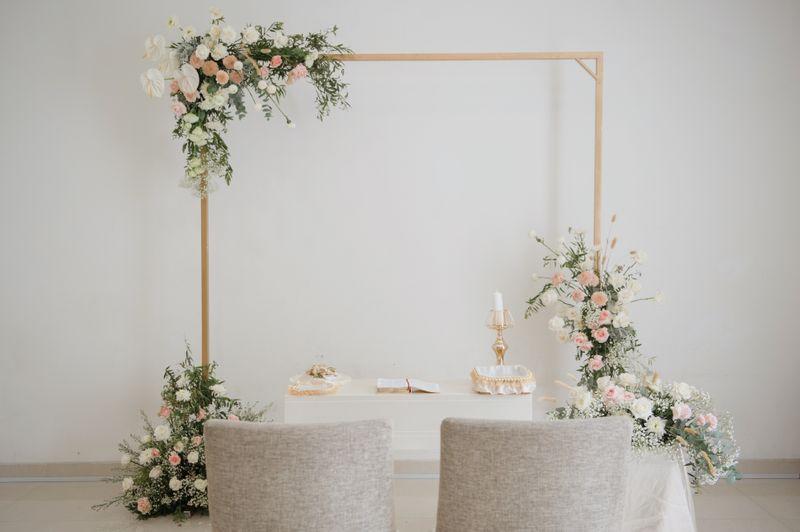 upacara-pernikahan-sederhana-di-rumah-dengan-dekorasi-menawan-1