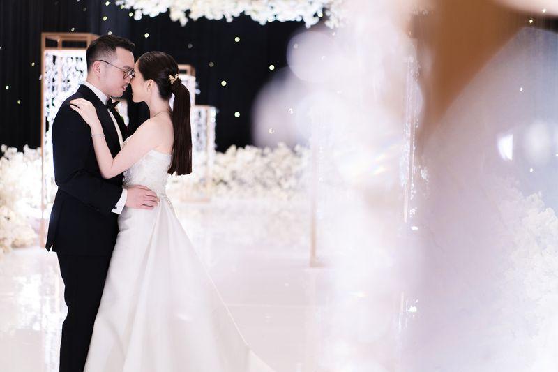 direktori-fotografer-pernikahan-and-vendor-pernikahan-lainnya-untuk-melengkapi-hari-bahagia-anda-bridestory-online-wedding-fair-1