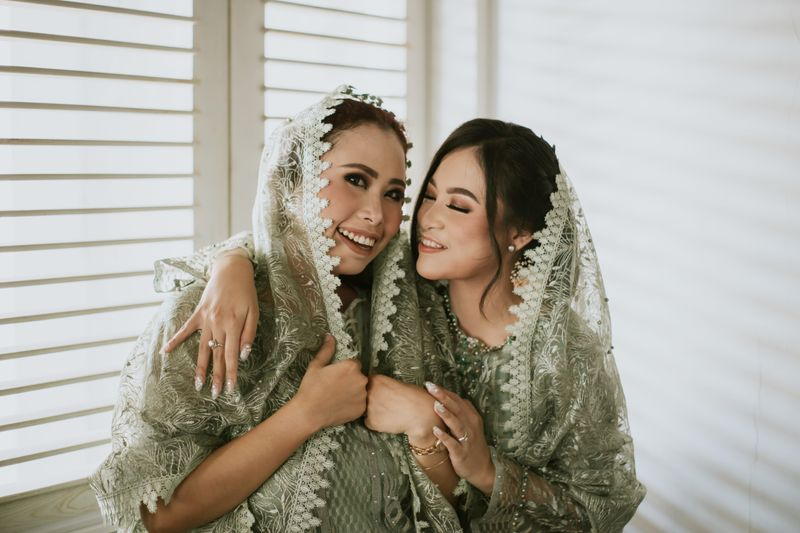 the-festivity-of-a-javanese-traditional-wedding-in-solo-1