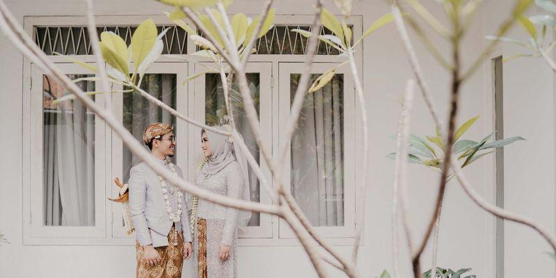 inspirasi-pernikahan-di-bawah-budget-rp-75-juta-modest-chic-1